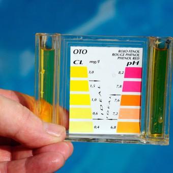cloro piscinas con agua verde