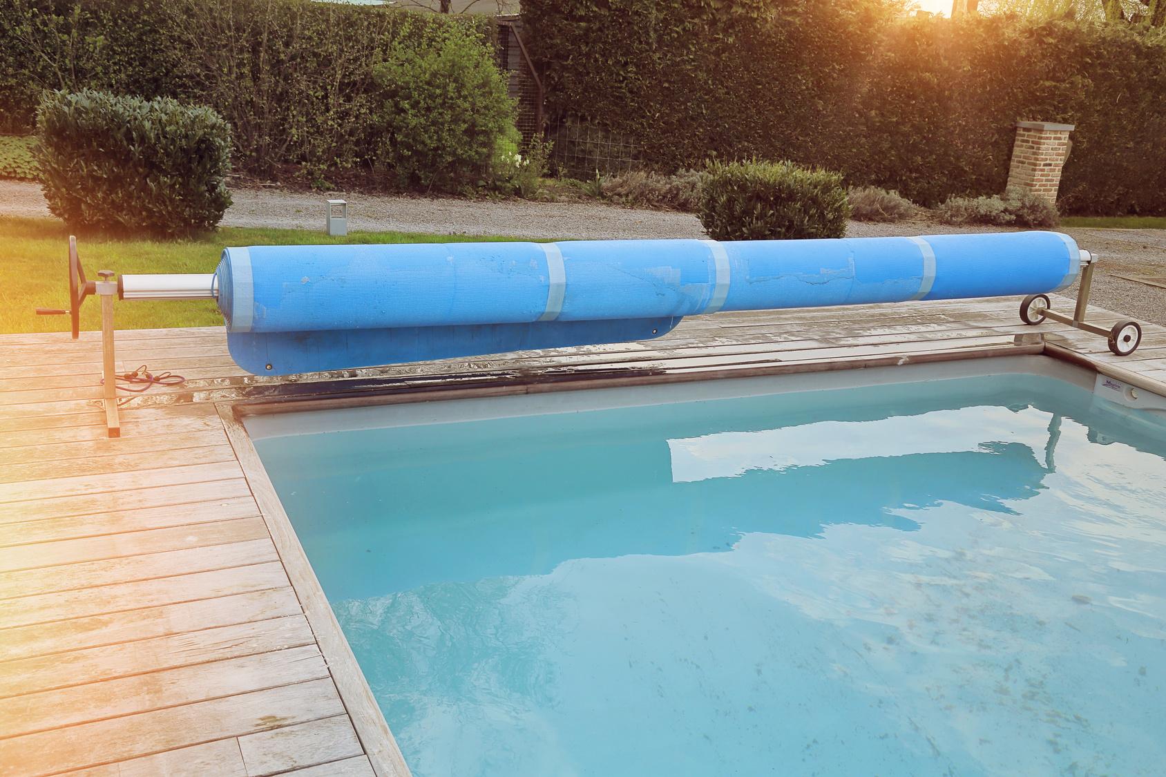 Mantenimiento de piscinas lona invierno construcci n for Mantenimiento de piscinas