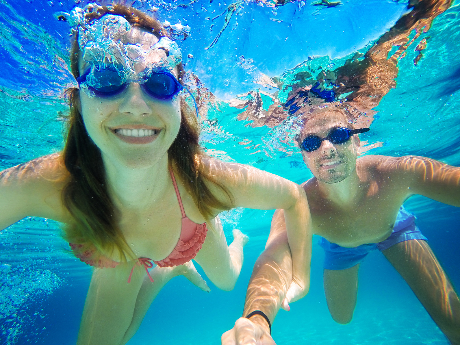 La piscina el mejor gimnasio para mantenerse siempre joven - Agua de la piscina turbia ...