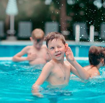 agua_oido_piscina
