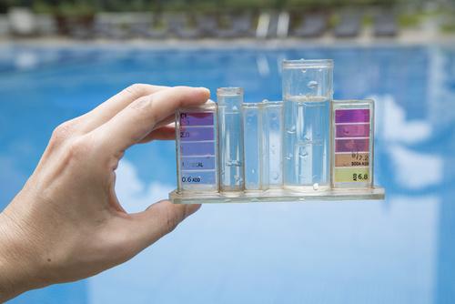 método para medir el ph del agua de la piscina