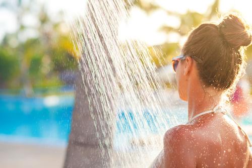 Duchas solares un complemento ideal para tu piscina - Duchas solares para piscinas ...