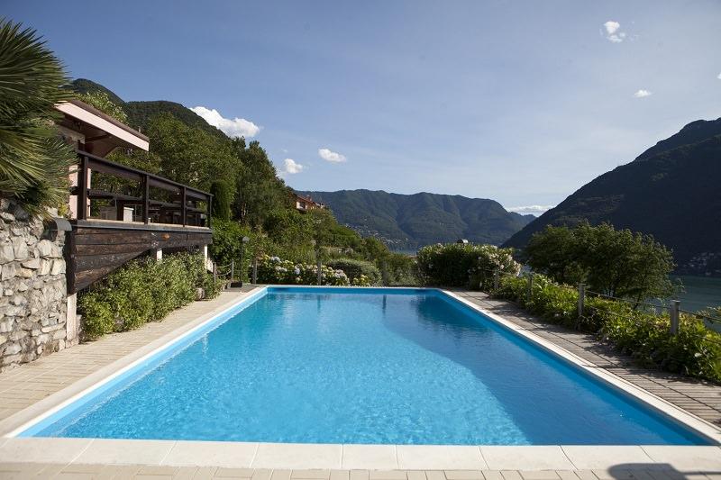 Los productos necesarios para el mantenimiento de piscinas for Mantenimiento de la piscina