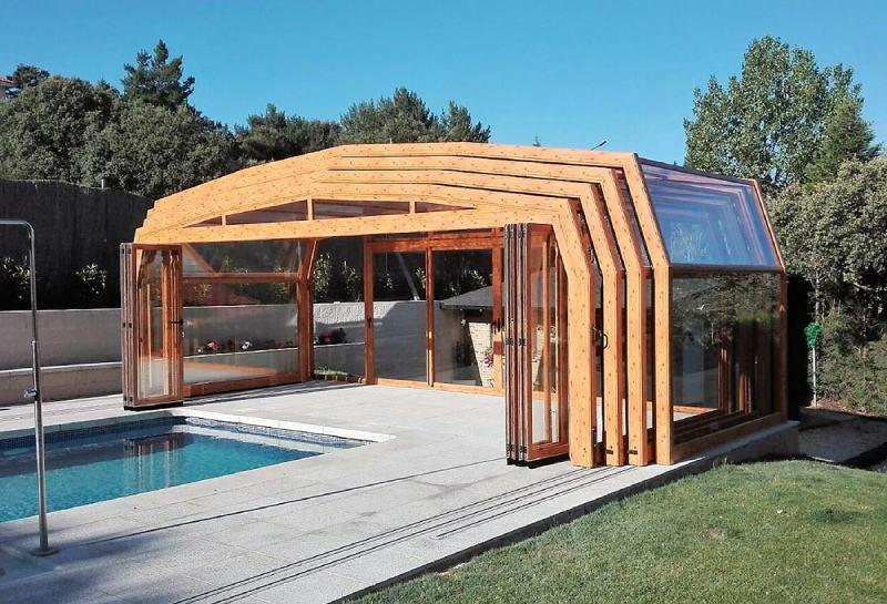 Las ventajas de las cubiertas de piscina para casas rurales