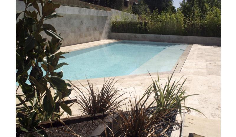 Construcción de piscina multifuncional