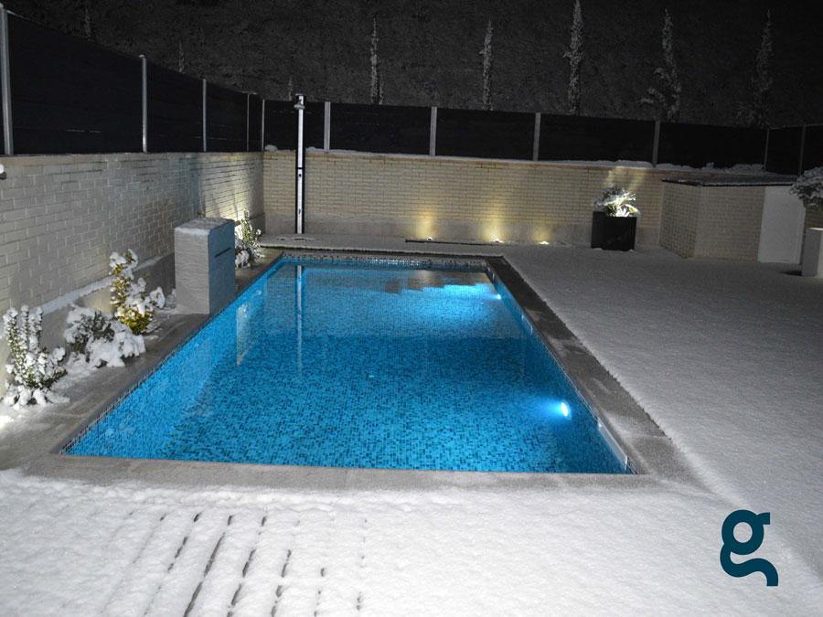 piscina cascada nature mosaico