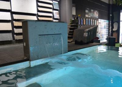 tienda de piscinas y showroom Iguazú
