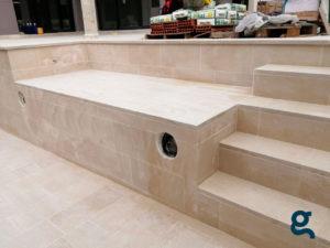 Plataforma y escalera de Piscina